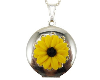 Black Eyed Susan Locket Necklace - Black Eyed Susan Jewelry , Yellow Coneflower