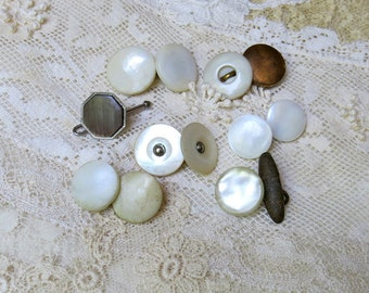 Vintage Mother of Pearl, MOP, Orphaned Cuff Links, Cuff Buttons, Lot of 7 Singles...All Orphans, Double Ended & Single Ended...Craft Supply