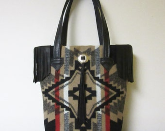 Fringed Bucket Bag Purse Tote Bag Wool from Pendleton Oregon Black Leather 5 Pockets Southwest Style