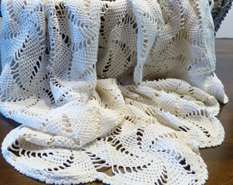 Vintage Crochet Tablecloth Or Bed cover Pinwheel Design