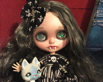 Custom Blythe Vampire Girl Lilith with Coffin