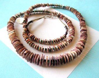 Spiny Oyster and Turquoise Santo Domingo Pueblo Necklace 33 Inches