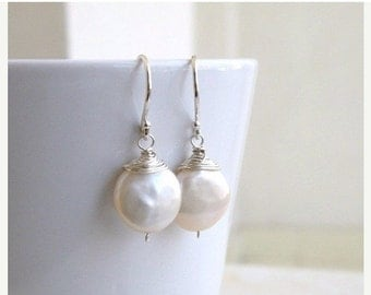 27% Off Sale Coin Pearl Wire Wrapped Silver Dangle Earrings GE5B