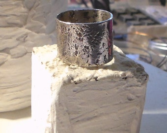 Hammered and Rock textured wide band Ring