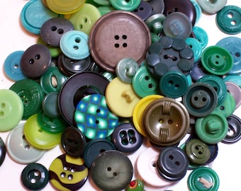 Green Buttons, Vintage Green Buttons x 100 pieces, Used Garment Buttons, Button Lot
