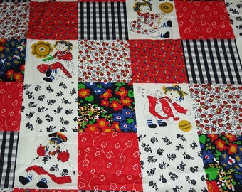 SALE vintage 70s fabric, featuring faux patchwork print with cute ragdolls, 1 yard
