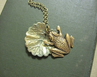 Frog Necklace, Lily Pad Necklace, Woodland Animal, Whimsical Jewelry, Kiss a Frog, Amphibian, Gifts For Her, Frog Lover