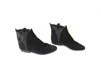 back suede CHELSEA boots 80s vintage pointy black leather SOUTHWESTERN pixie booties size 7