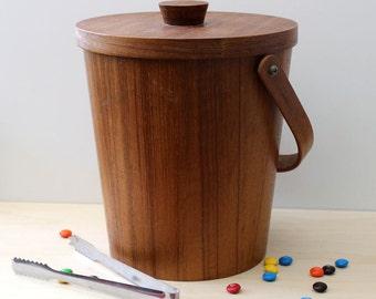 Vintage mid century modern wood and aluminum ice bucket.