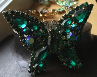 Weiss Butterfly Brooch - Exquisite Costume Jewelry - Signed
