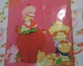 strawberry shortcake honeycomb centerpiece