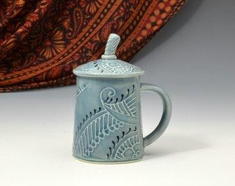 Lidded Teacup Mug