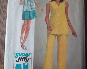 Vintage Simplicity Jiffy Pattern Pants Top and Skirt