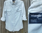 Vintage WRANGLER Chambray Shirt //  Vtg Distressed Faded Sun Bleached Thin Western Cut Snap Front Shirt