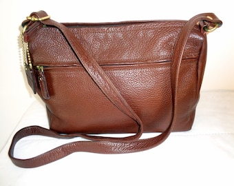Liz Claiborne all genuine pebbled leather messenger bag , top zip bag ,cross body bag, satchel, purse handbag flawless vintage