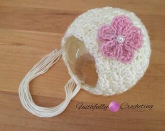 Newborn bonnet.. Cream bonnet.. Pink petal flower... Photography prop.. Ready to ship