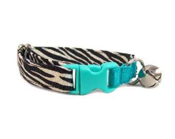 Cat Collar in Zebra Print - Green Cat Collar - Elastic Cat Collar - Safe Cat Collar - No Lose Cat Collar - Cute Cat Collar - Non Breakaway