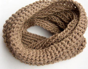 Beige Knitted Cowl, Beige Chunky Cowl, Womens Cowl, Infinity Scarf, Light Brown Cowl, Circle Scarf, Camel Woven Cowl, Yarn Cowl.