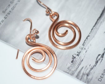 Hammered Copper Wire Swirl Earrings-Birthday gift-Hammered Wire earrings-Light weight wire jewelry