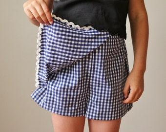 1970s Navy Check Skorts >>> Girl's Size 8/10