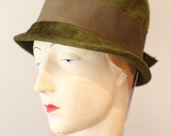 Vintage 1960s Jan Leslie Green Fur Felt Cloche Hat ~ Vintage 20s Style Olive Green Ladies Cloche Hat