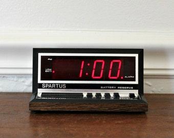 70's Alarm clock wood grain clock SPARTUS 1140