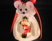 Mouse with a Nutcracker