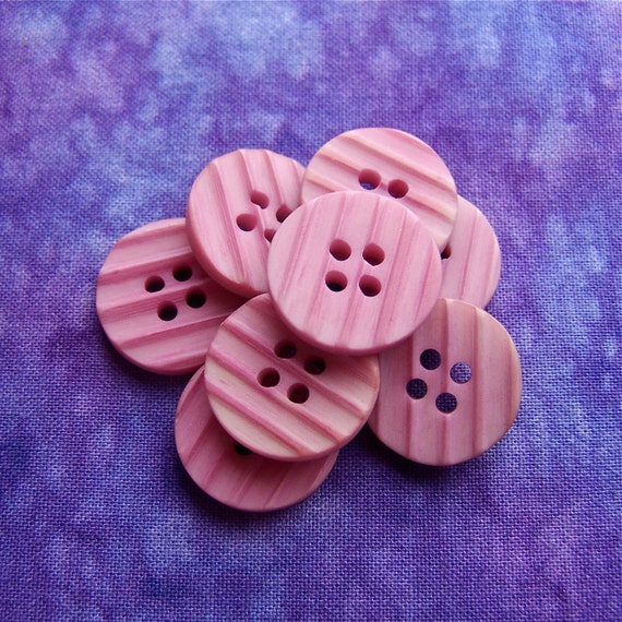 Vintage Pink Buttons 18mm - 5/8 inch Matte Dusty Rose Pink Plastic Sewing Buttons - 8 VTG NOS Grooved Stripe Waffled Retro Mod Buttons PL026