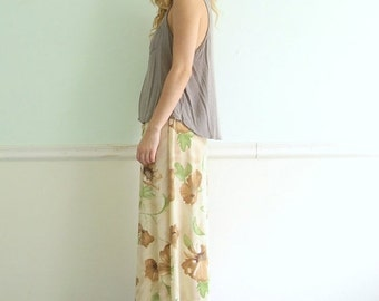 30% off ... Creamy Rose Floral Printed 90s High Waist Maxi Skirt with Front Slit - S Small M Medium