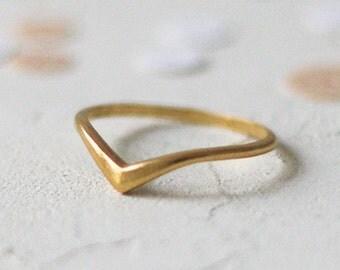 14k Gold Chevron Ring, Minimalist Wedding Ring, Stacking Ring, Stackable Ring, Minimal Wedding Ring, Thin, Skinny Jewelry, Geometric