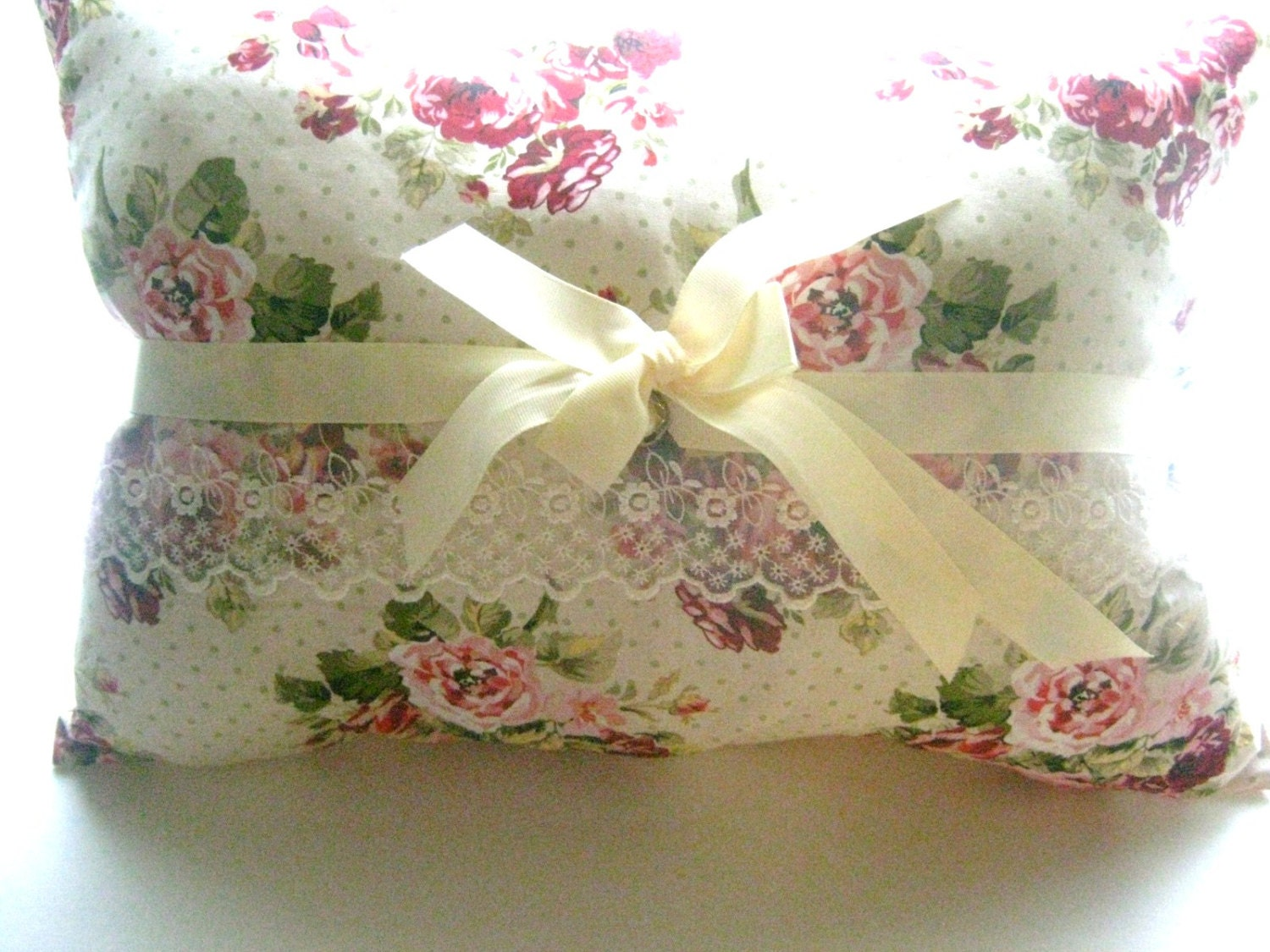Complete Shabby Chic Style Decorative Pillow Ribbons Roses