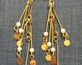 Vintage earrings dangle pearl gold tone pierced