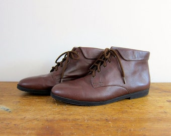 Vintage brown leather ankle boots 80s PIPPI Fold over boots Lace up boots granny boots boho leather boots women's shoes size 8
