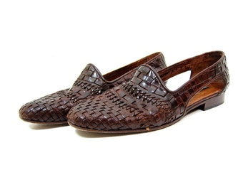 90s Brown Leather Sandals Woven Braided Leather Slip On Cut Out Sandals 80s Huaraches Boho Preppy Flats Brown Leather Woven Sandals 7.5