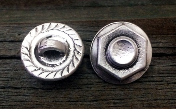 Steampunk Industrial Nut & Bolt Screw Pewter Shank Buttons | Steam Punk Button | 3/4 Inch (19 mm) | Treasure Cast Pewter