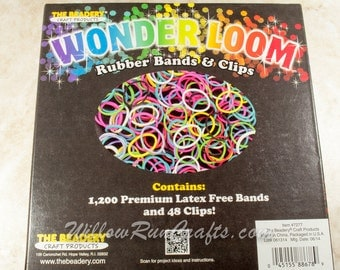 1200 Rubberbands by Wonder Loom for Bracelet Looms, Comes with S Clips