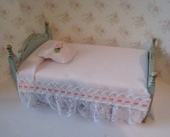 Dollhouse single bed, French duck egg blue bed, single bed, Rose bouquets, Bedroom  , White spread. twelfth scale miniature