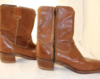 Vintage leather cowboy boots 9 D