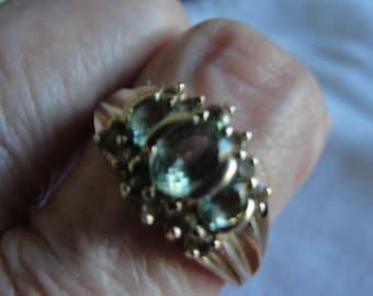 Blue green apetite and 10k yellow  gold ring size 9.00