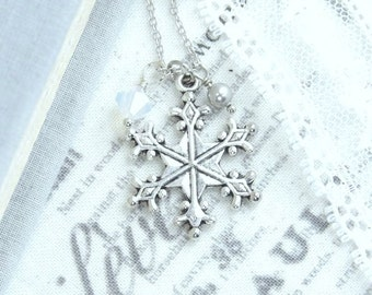 Silver Snowflake Necklace Winter Necklace Snowflake Pendant Necklace Christmas Necklace Snowflake Gift