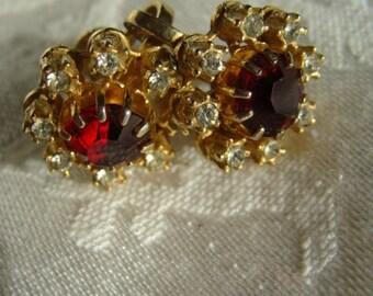 Pretty Vintage Highend Ruby Rhinestone Earbobs