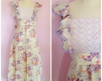 ON SALE Vintage 1970s Floral Pinafore Dress/ S
