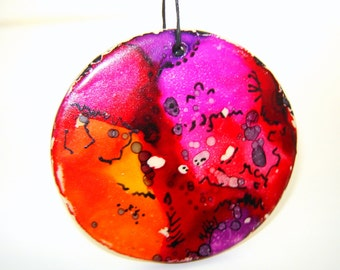 Alcohol Ink Painted Ornament in Stoneware Pottery for Spring Home Décor