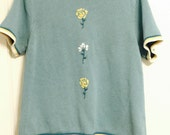 Vintage hipster blue short sleeved boxy sweater with flower embroidery medium