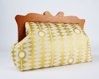 Clutch purse with wooden frame - Kuki to tane in gold - Home purse / Japanese fabric / Metallic gold white