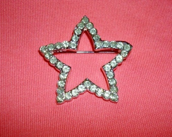 Vintage Green Rhinestone Star Pin Brooch