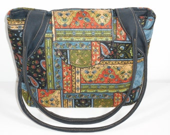 Purse Shoulder Bag Medium-Sized Flap Quilted Multi-Colored Patchwork-Look Double Straps Pockets