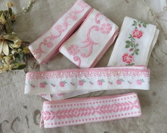 Adorable Batch of Vintage French Tapes, Vintage Embroidered Trim, Scrolls and Floral Decor, Romantic Roses Trimming, Passimenterie Trim