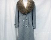 50% Off Sale 70s Gray Wool Princess Coat size Large Huge Genuine Fur Collar