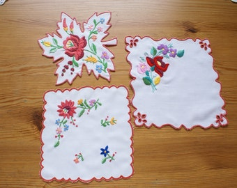 "Wonderful hungarian embroidery ""Kalocsai"" for your home! 3 pieces"